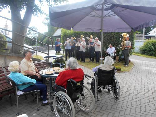Vystoupení Šternberanky v Domově pro seniory